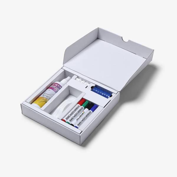Kit per lavagne con magneti, pennarelli, cancellino e spray detergente